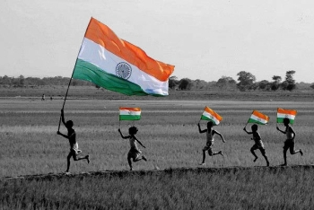 inidna-flag-black-and-white-with-color-photo
